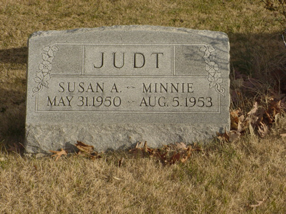 Susan A. and Minnie Judt Headstone Photo, Hillcrest Cemetery, Callaway County genealogy