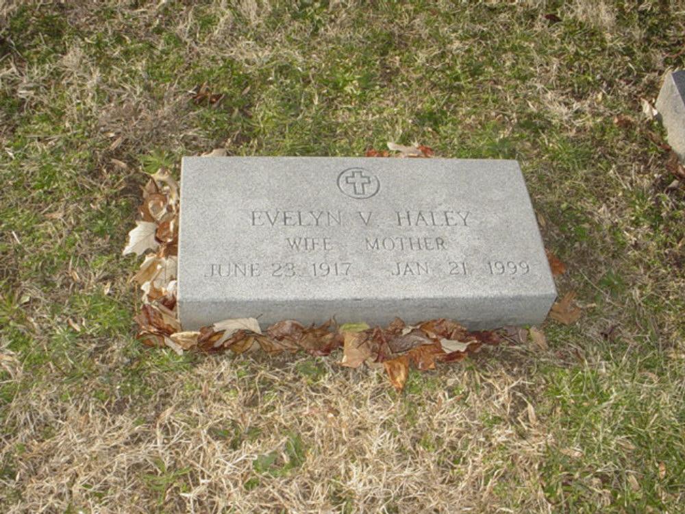 Evelyn Carrington Haley Headstone Photo, Hillcrest Cemetery, Callaway County genealogy