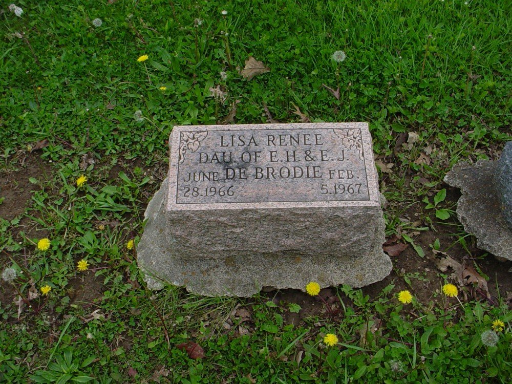 Lisa Renee DeBrodie Headstone Photo, Hillcrest Cemetery, Callaway County genealogy