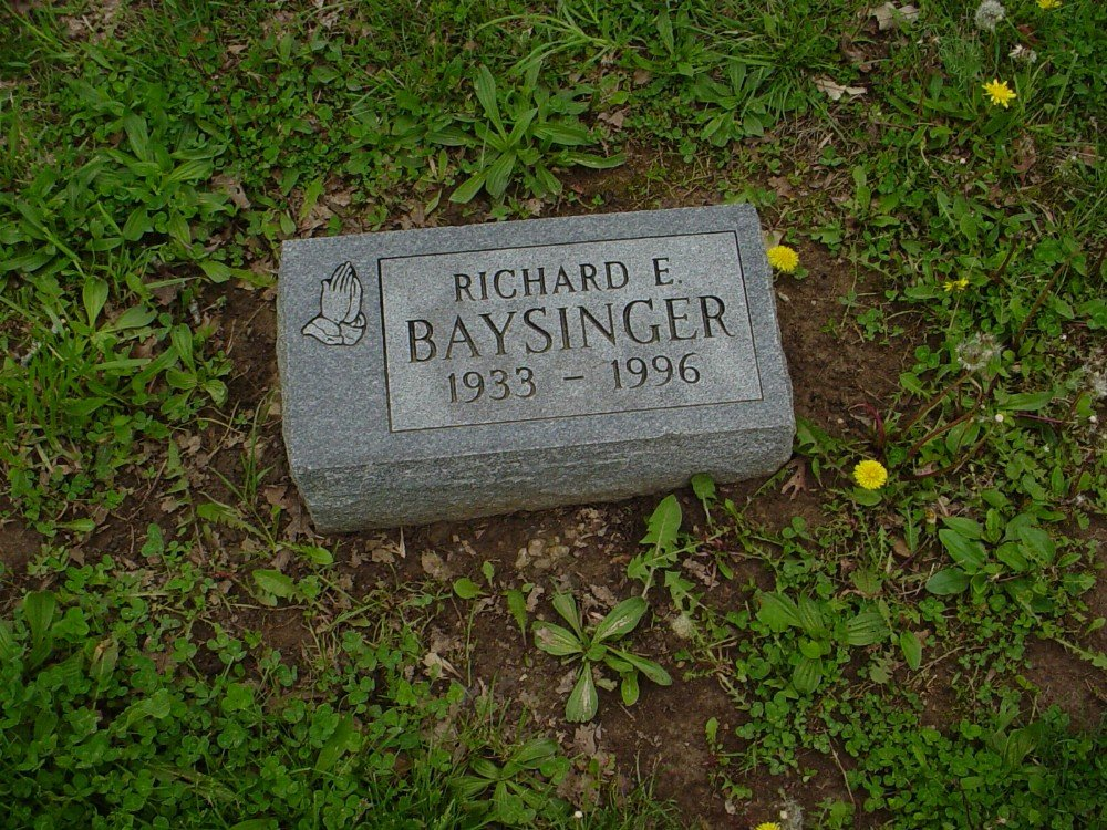 Richard E. Baysinger Headstone Photo, Hillcrest Cemetery, Callaway County genealogy