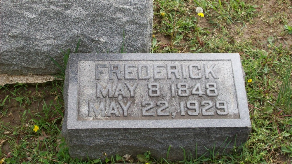 Frederick Lorenz Headstone Photo, Hillcrest Cemetery, Callaway County genealogy